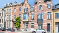 Huizen in provinciehoofdsteden  6 % duurder en flats 3,5 %