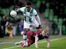 Interesse voor Vitesse-back Clark blijft uit; Brit kan in winterse transferperiode op herhaling