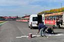 Geen racewagens op het circuit van Imola gisteren, dus was er alle tijd om nog even verse lijnen te trekken.