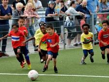 850 adoptiekinderen voetballen hun eigen WK in Vianen