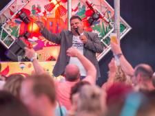 Al tien jaar kippenvel van 'Kali': zanger Django Wagner uit Nuenen viert jubileum