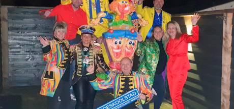 Boet'nlaandkemissie voelt zich thuis in Oldenzaalse feestgedruis, zelfs in coronatijd