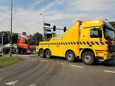 Truck valt stil op kruising door gesneuvelde turbo