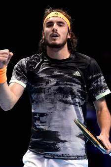 Tsitsipas fait tomber Federer et rejoint la finale du Masters