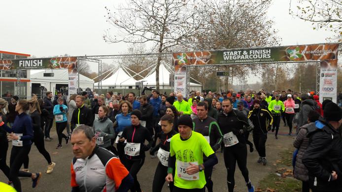 De start van de 5 en 10 kilometer.
