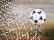 Accountantsorganisatie waarschuwt KNVB: helft profclubs staat op omvallen