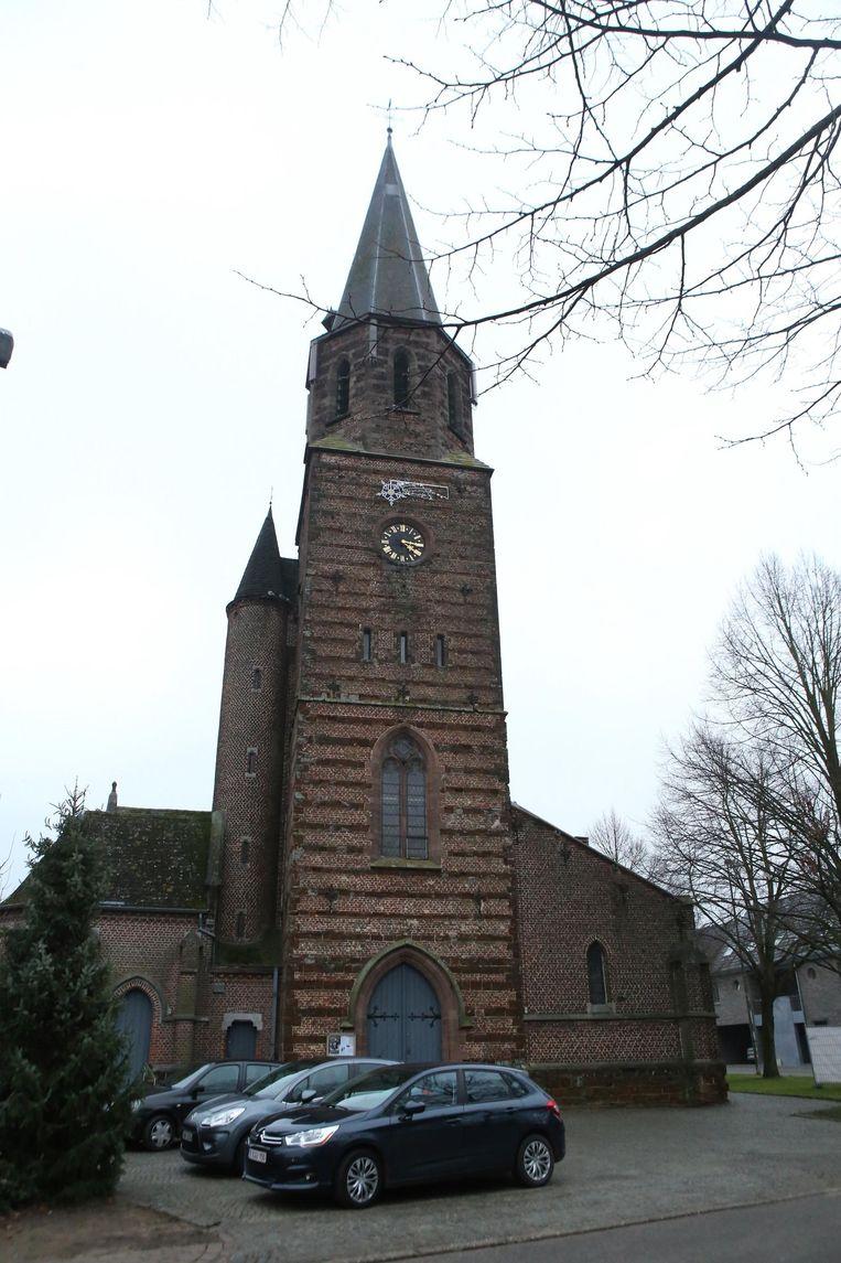 De Sint-Hubertuskerk in Schaffen heeft dringend een renovatie nodig, maar het geld ontbreekt voorlopig.