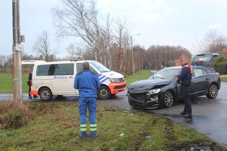 Het ongeval gebeurde aan het kruispunt met de Hasseltse Beverzakstraat