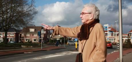 Jo zag 75 jaar geleden de Tommy's Winterswijk binnenkomen: 'Camouflage op het gezicht, takjes rond de helm'