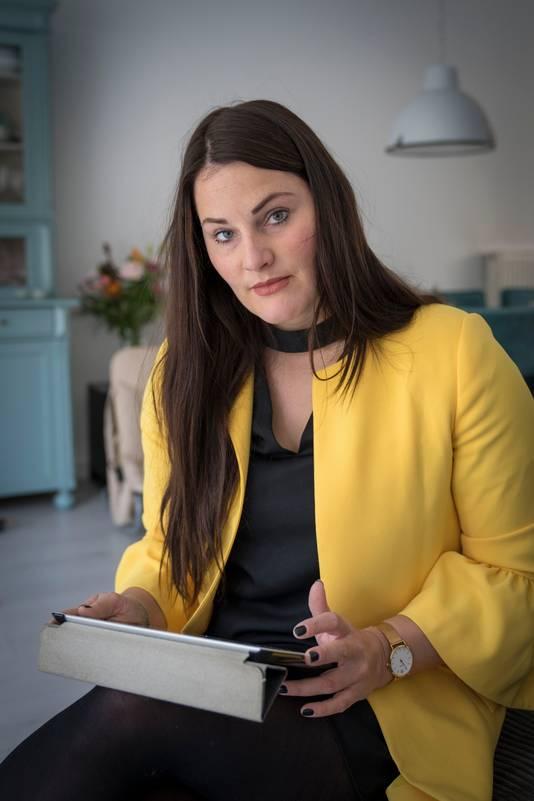 Nikki Lee Janssen (27)