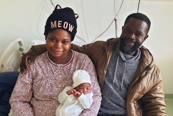 Nkunim-Ba Kwartemaa Boamah en haar ouders Linda en Philip.