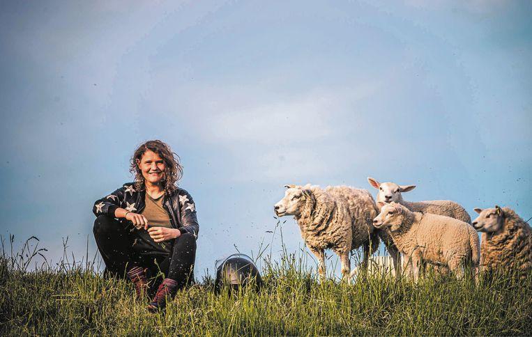 Kookboekenschrijfster Laura de Grave gaat met 'Nederland Kookland' de strijd aan met voedselkilometers. Beeld Hans de Kort