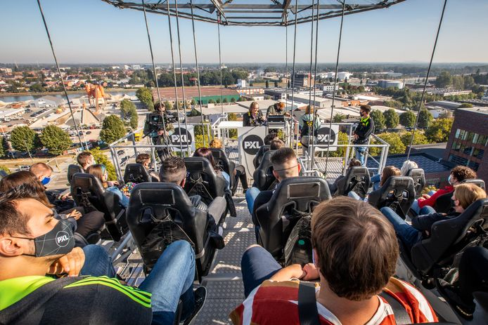 Bij PXL in Hasselt kregen de studenten les op 50 meter hoogte.