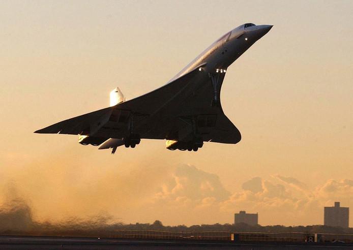 Beeld van de allerlaatste vlucht van een Concorde van New York richtin Londen, op 24 oktober 2003, net na het opstijgen.
