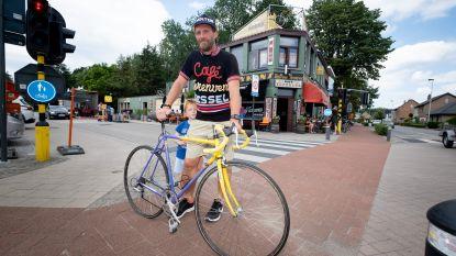 Dirk De Wolf schiet retrokoers met ongeschoren benen op gang