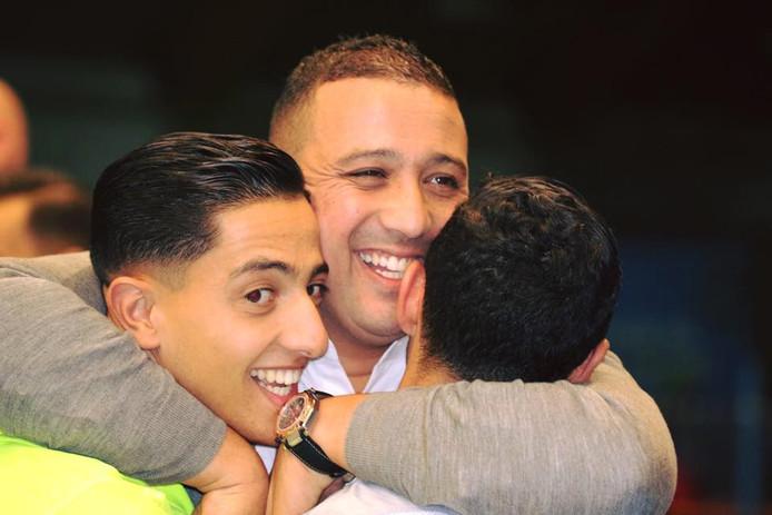 De Thoolse coach Hicham Benhammou won met de zaalvoetballers van 't Knooppunt de Supercup, door Marlène met 5-0 te verslaan.