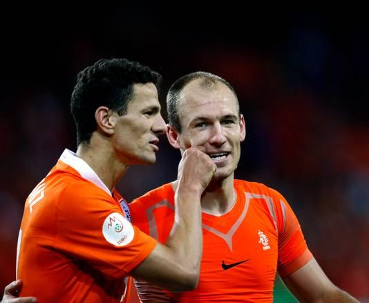 Khalid Boulahrouz (l) en Arjen Robben op het EK van 2008.