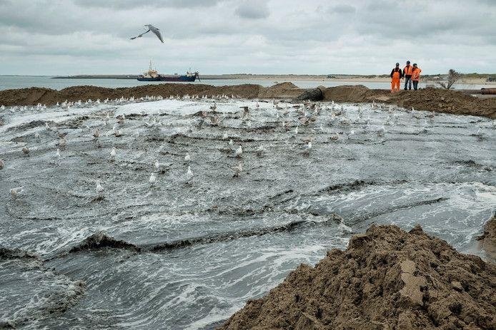 SGP/CU vindt dat de gemeente Veere geld moet vrijmaken voor zandsuppletie zodat de stranden op niveau blijven