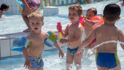 Hoogzomer en hoogdag in openluchtzwembad De Warande