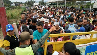 Duizenden Venezolanen bestormen grens naar Colombia op zoek naar eten
