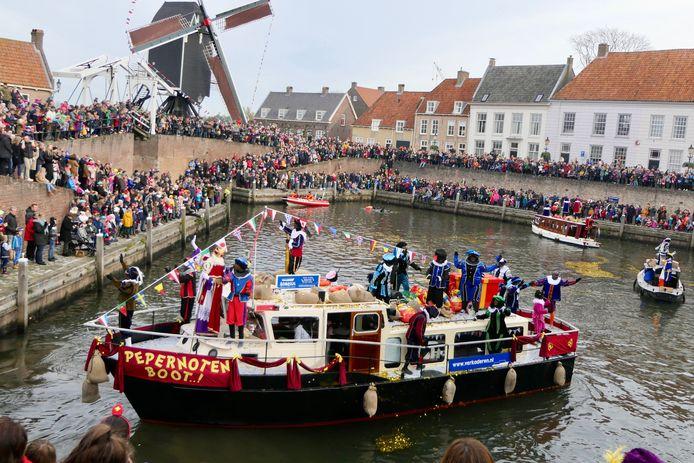 Deze beelden zitten er dit jaar niet. Ook de intocht van Sinterklaas in de haven van de vesting Heusden is afgelast.