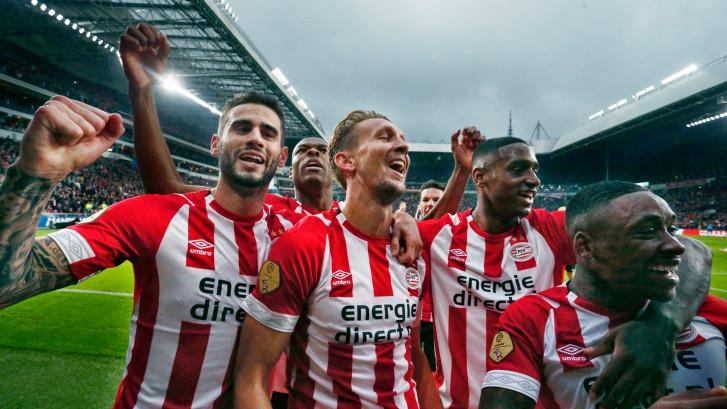 LIVE | PSV blijft eenvoudig overeind, irritaties Ajax nemen toe