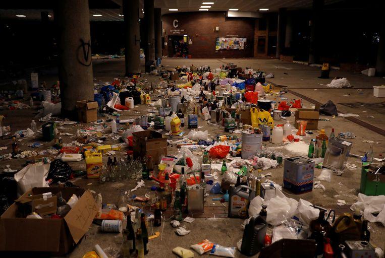 De plek waar de demonstranten op de belegerde campus molotov-cocktails maakten.