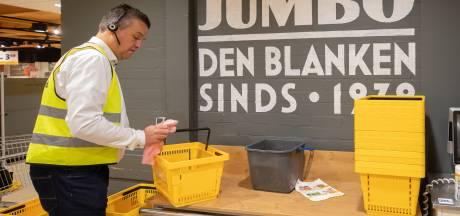 Supermarkten en winkels in Amersfoort scherpen coronamaatregelen aan: 'Er moet nú iets gebeuren'