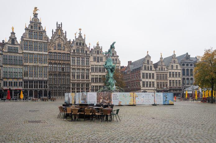 Ronde van Vlaanderen 2020: de totale leegte op de Grote Markt.