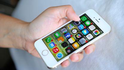 """""""Homo door mijn iPhone"""": man eist 14.000 euro in rechtszaak tegen Apple"""