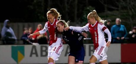 PSV verspeelt ruime voorsprong op Ajax