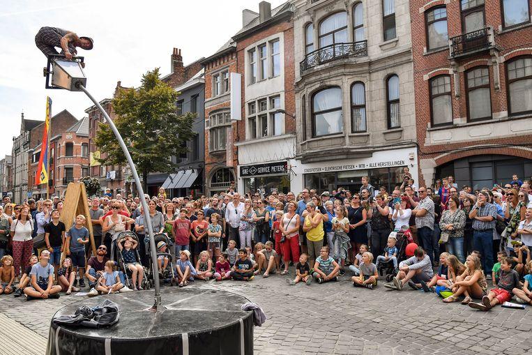 Boulevart lokte weer een massavolk naar de verkeersvrije straten van Dendermonde.