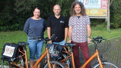 Fietsenhandelaar en uitbater weekendcafé promoten streektoerisme met verhuur elektrische fietsen