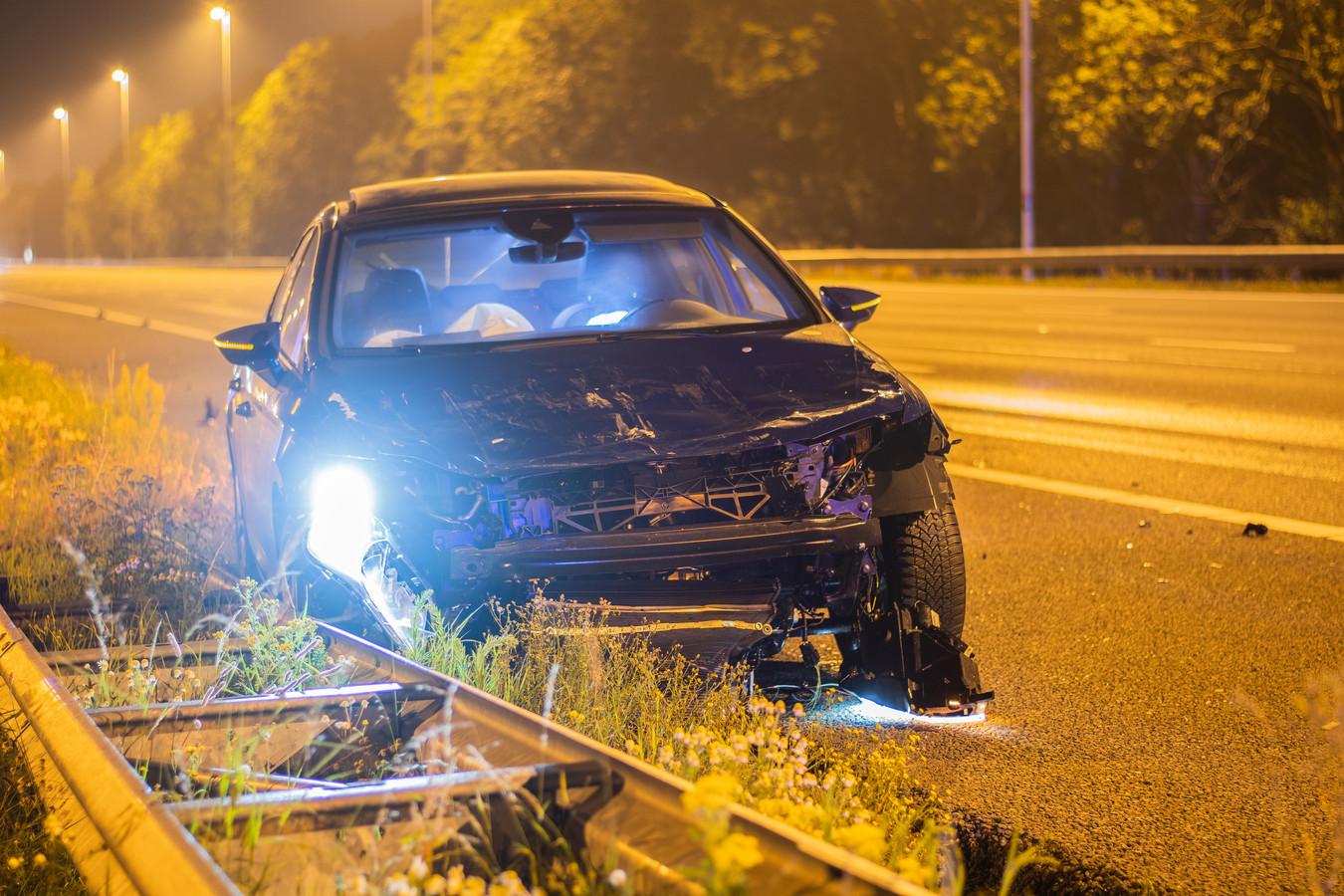 Personenauto botst achterop vrachtwagen op A12 bij afrit Nieuwerbrug