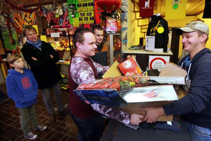baarle-nassau wil van vuurwerktoeristen af   binnenland   ad.nl