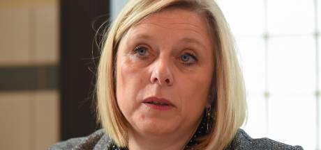"""Eliane Tillieux reproche à Maggie De Block de faire """"beaucoup de cadeaux"""" au secteur pharmaceutique"""