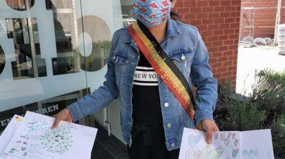 Kinderburgemeester geeft goede voorbeeld en tekent voor bejaarden Zilverbos