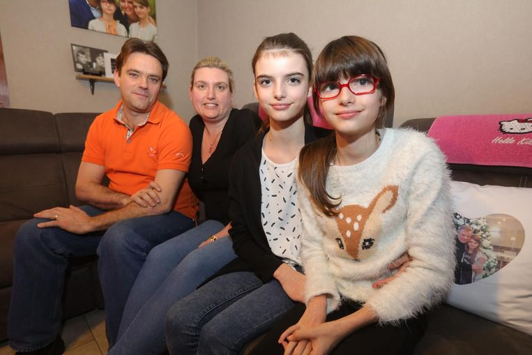 Papa Gino, mama Heidi en de zusjes Eline en Elise Carpentier.