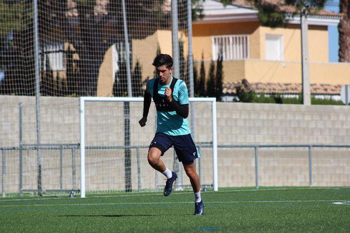 Eren Güler op het trainingskamp van het Valenciaanse UD Levante.