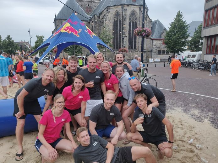Werknemers van Green Orange sporten ook met elkaar buiten werk om.