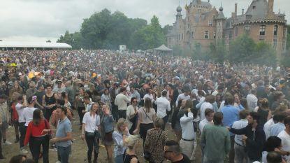 Ibiza aan de Leie: 8.500 feestgangers doen Ooidonk daveren