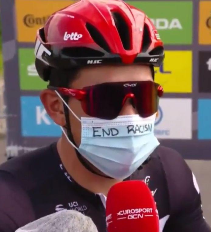 Caleb Ewan met aangepast mondmasker.
