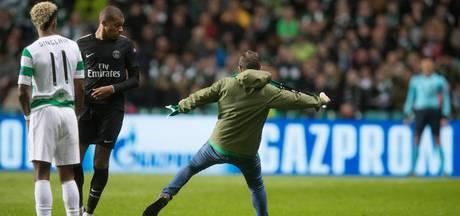Schoppende fan op veld levert Celtic slechts boete op