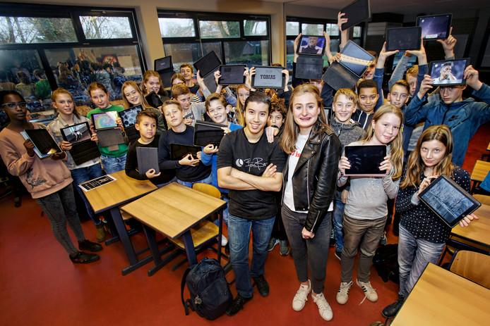 Ayoub Moussa, Roos Janssen en hun achterban: ,,Door ons plan krijgt iedereen op school gelijke kansen.''