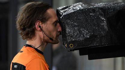 VIDEO: Videoscheidsrechter bewijst nog maar eens zijn waarde