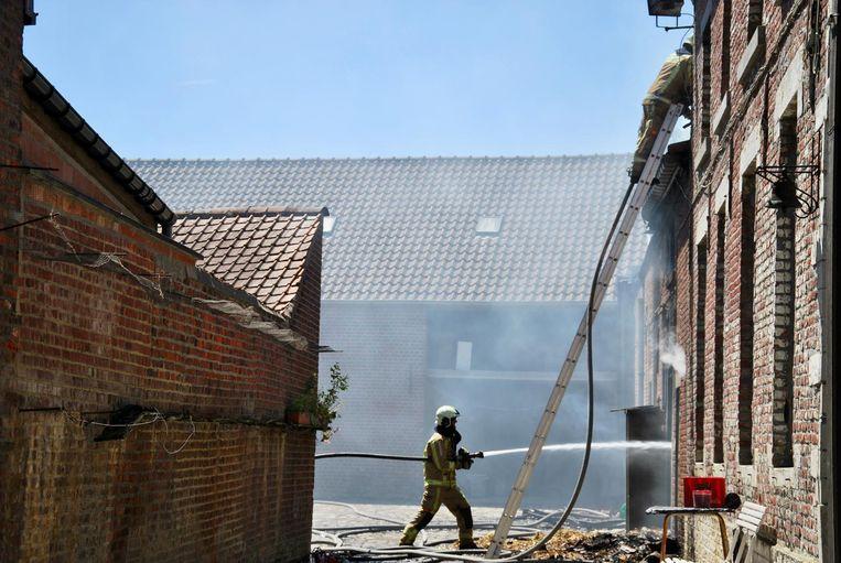 De brand bleef beperkt tot de schuur maar de bluswerken veroorzaakten heel wat waterschade.