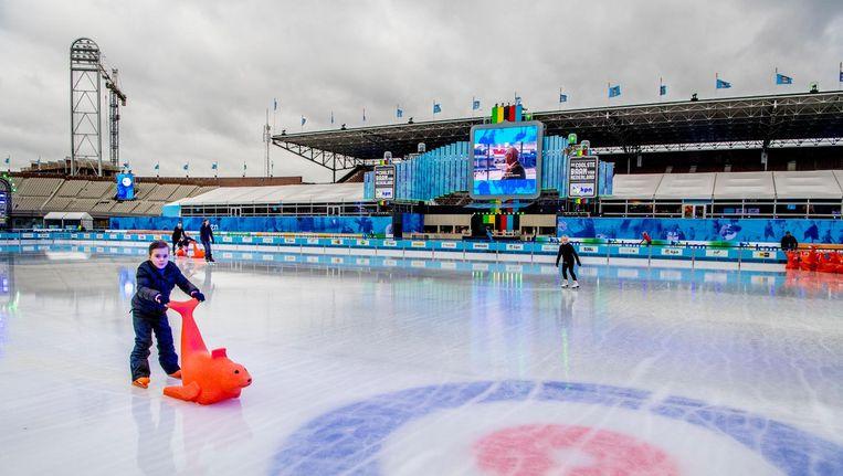Wüst begint vrijdagavond in het Olympisch Stadion aan het WK allround. Beeld anp