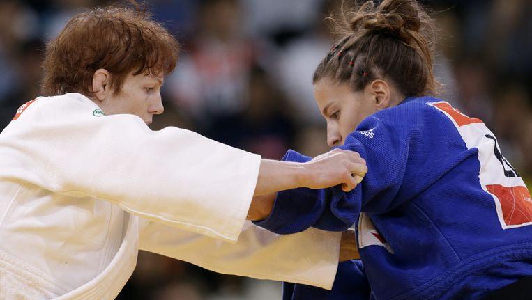 Elisabeth Willeboordse (links), hier in haar eerste rondepartij tegen Caren Chammas uit Libanon. Beeld ap