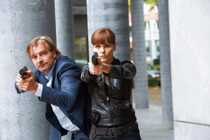 Victor Reinier en Angela Schijf als de rechercheurs Wolfs en Van Dongen in Flikken Maastricht.