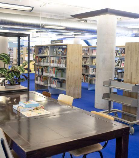 Hoera! Bibliotheek Hengelo  langer open, krantje lezen mag ook weer